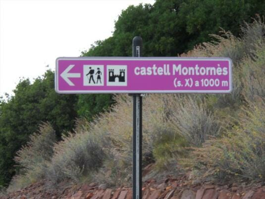 Road sign for Castell Montornes