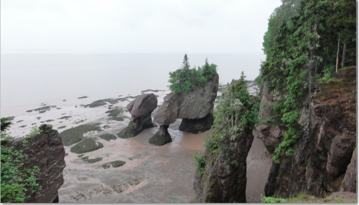Spectacular rock outcroppings on the sea