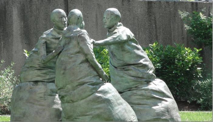 outside sculptures