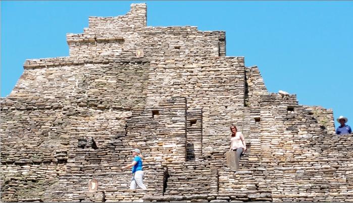Tonina Pyramid
