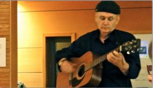 Folksinger Stuart McHardy