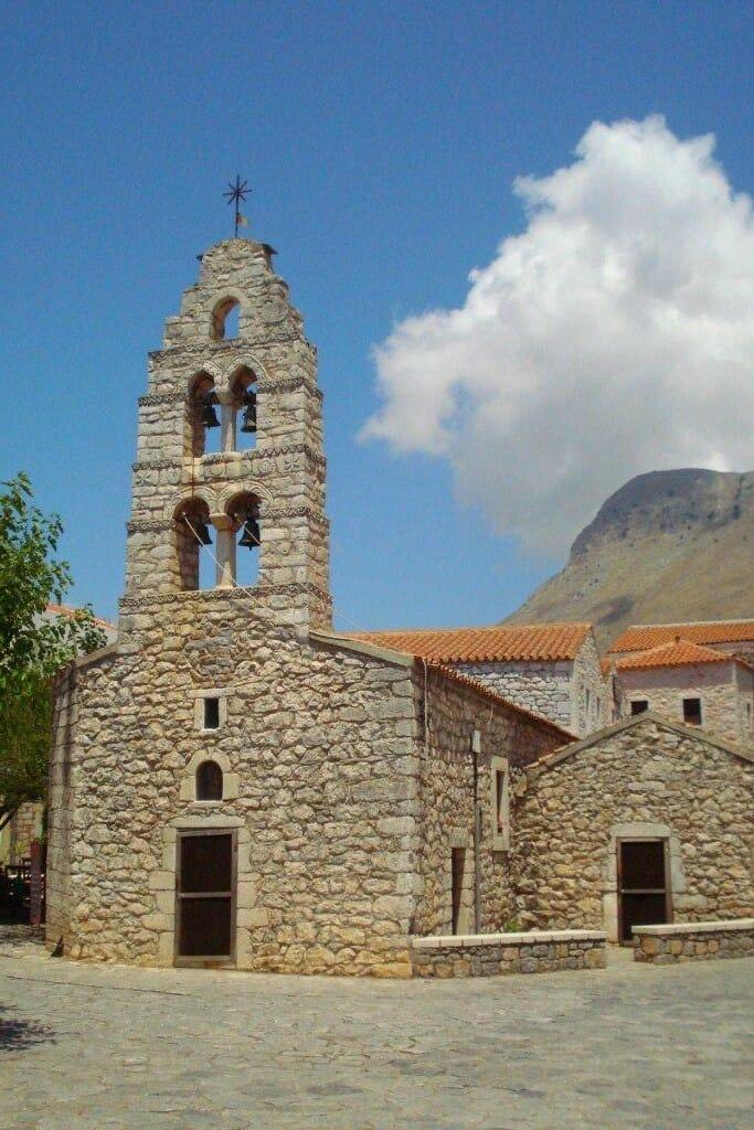 solo travel destination mani peninsula greece