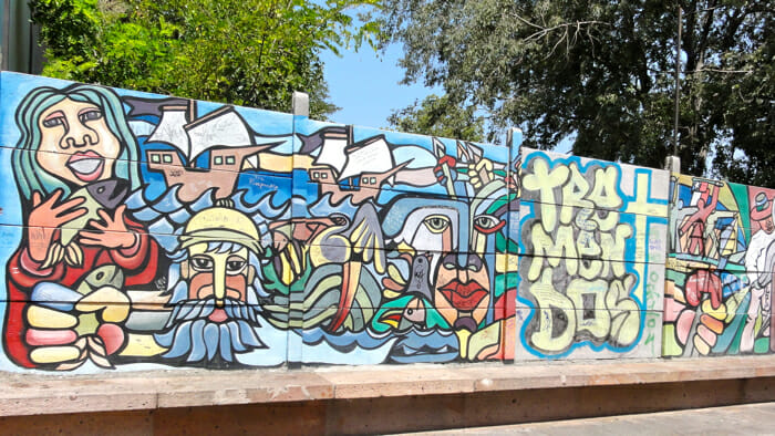 Graffit on street near Neruda's home - another collaborative project.