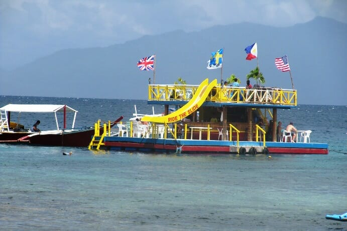 photo, image, floating bar, puerto galera