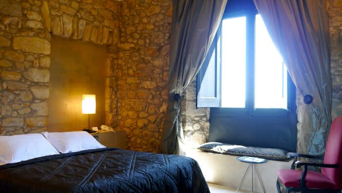 photo, image, hotel room, luxury solo travel