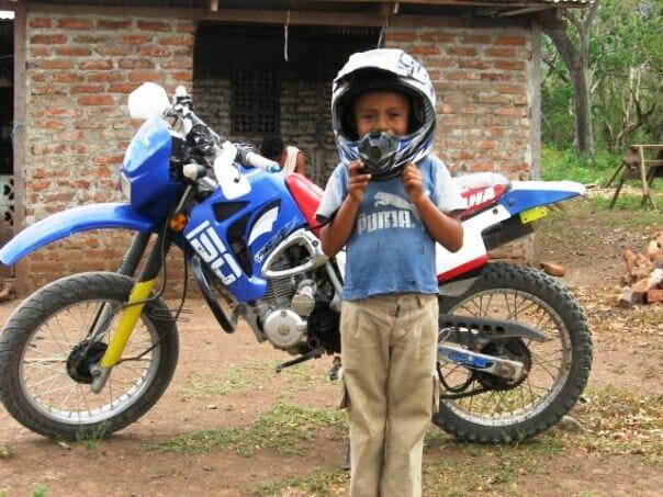 photo, image, boy, motorcycle, nicaragua
