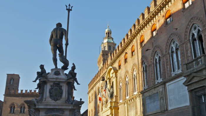 Neptune Fountain with Palazzo d'Accursio in the background.