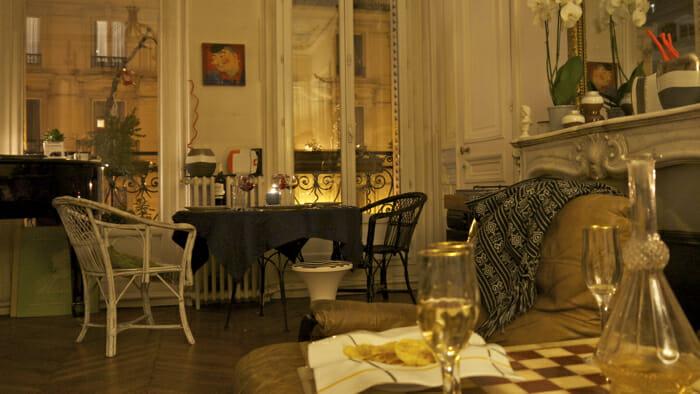 Sasha lives in a Haussmann apartment near the Palais Garnier in central Paris.