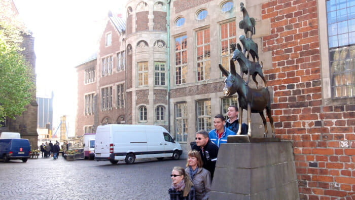 Of course, the statue of the Bremen Town Musicians is a popular sight. People line up to line up like the musicians.