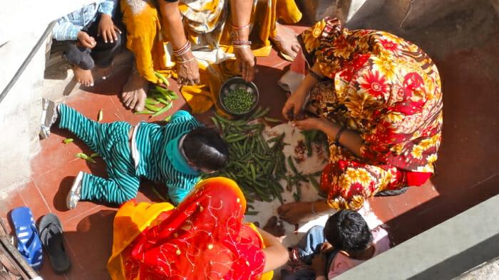 Women preparing the dinner in Pushkar.