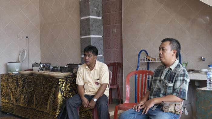 We also had lunch at a family home as a group. There we met the village leader and could ask him questions through our trip leaker, Manik.
