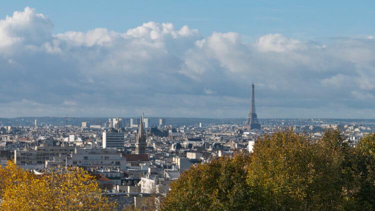Friendly Paris: Exploring the real Paris with a Greeter