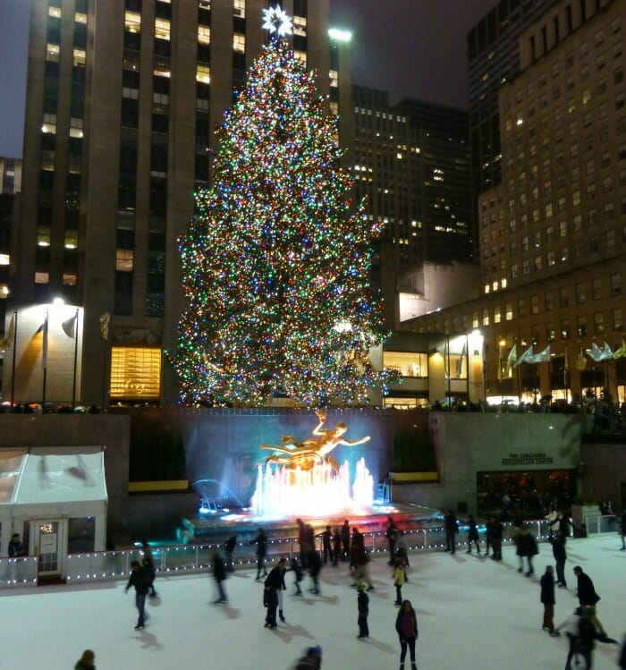 photo, image, christmas tree, rockefeller centre, solo travel in the holiday season