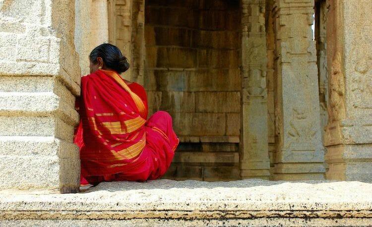 photo, image, woman, temple, hampi, india