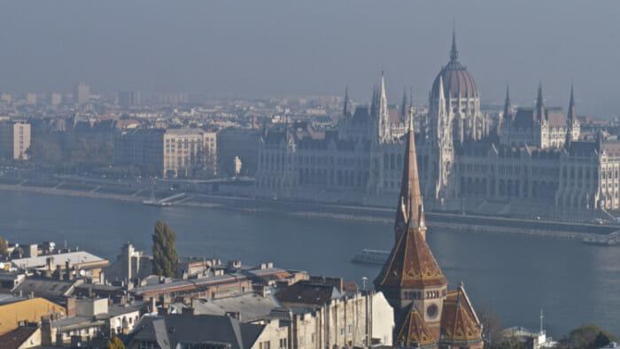 solo travel budapest