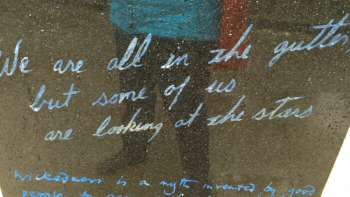 Oscar Wilde Quotes looking at the stars.