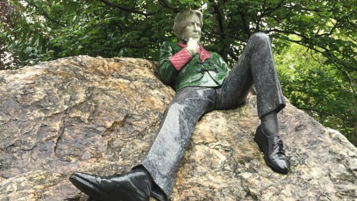 photo, image, oscar wilde statue, literary dublin
