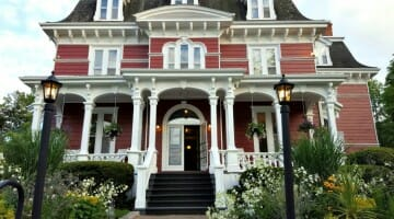 Solo Travel Destination: Wolfville, Nova Scotia