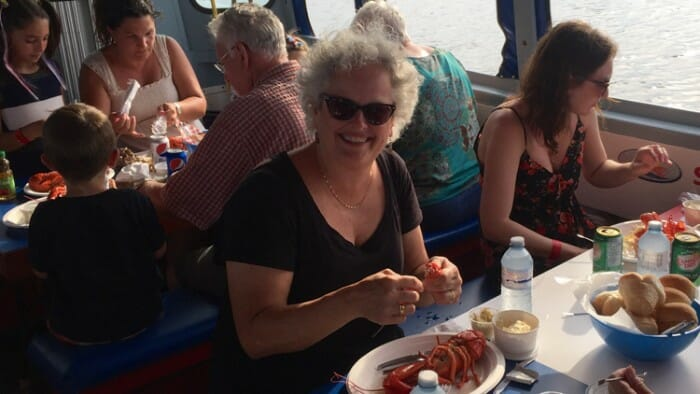 On a dinner cruise you don't have to eat alone.