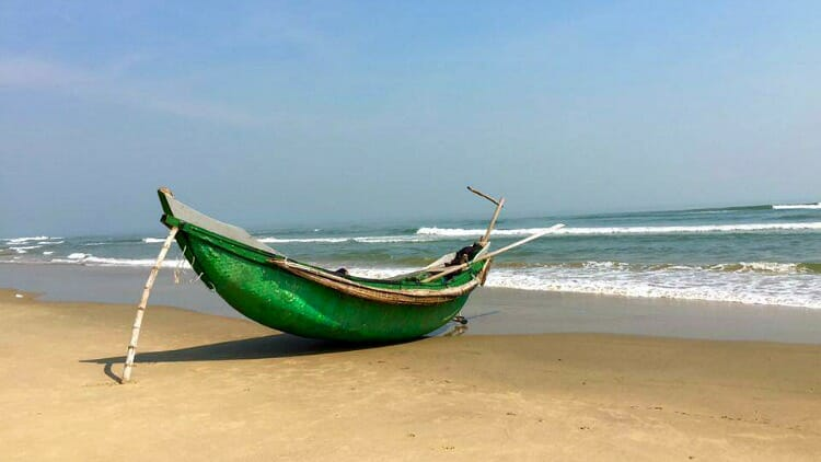 fishing boat, da nang, vietnam photos