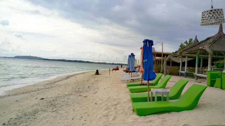 photo, image, beach chairs, beach, gili air, indonesia