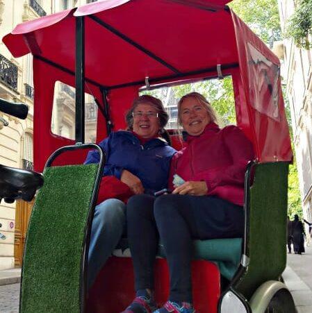 photo, image, women in bike taxi, paris, women welcoming women
