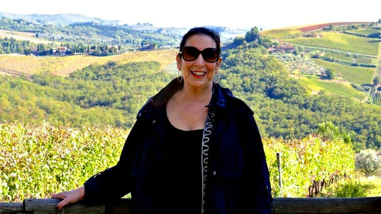 photo, image, woman, tuscany, first solo trip