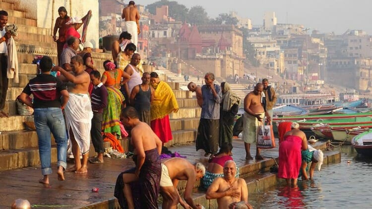 photo, image, bathing in ganges, varanasi, india