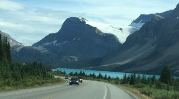 Glaciers, Mountains & Lakes: Driving the Icefields Parkway