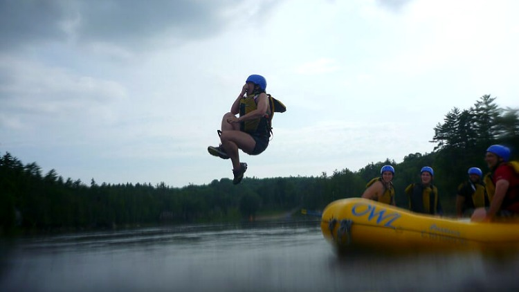 photo, image, jumping in water, whitewater rafting ottawa river