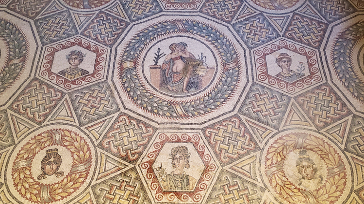 photo, image, mosaics, Villa Romana del Casale, solos-only tour