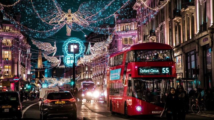 photo, image, oxford street, london, solo travel destinations for christmas