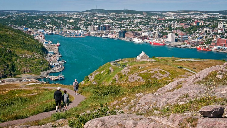 signal hill, destinations for solo travelers on a budget