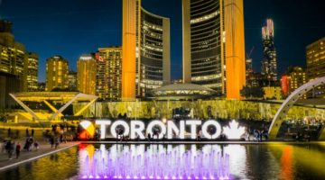 Solo Travel in Toronto: 32 Free and Low-Cost Tips