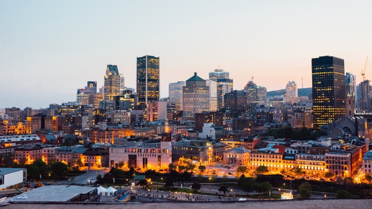 photo, image, montreal skyline, solo travel in montreal