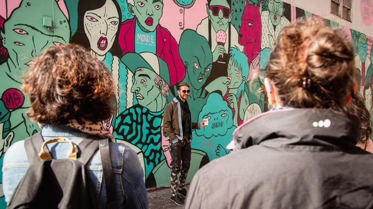 photo, image, graffiti, solo travel in montreal