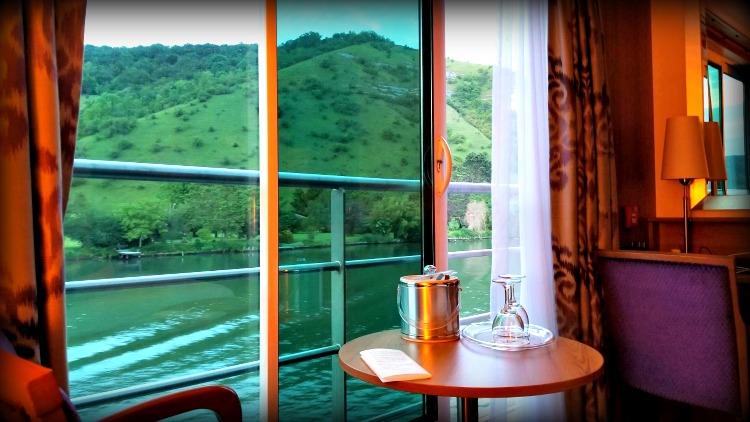 photo, image, river cruise, cabin