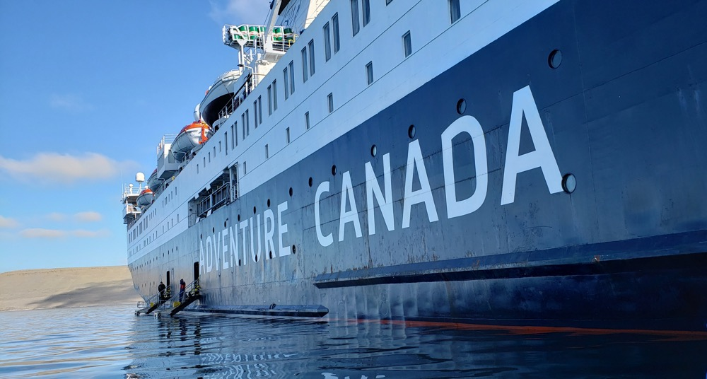 photo, image, ship, ocean endeavour, solo travel in nunavut