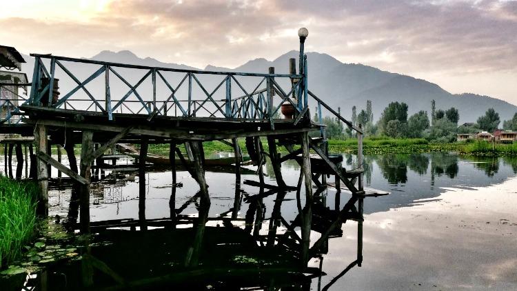 photo, Dal Lake, srinigar, indian himalayas