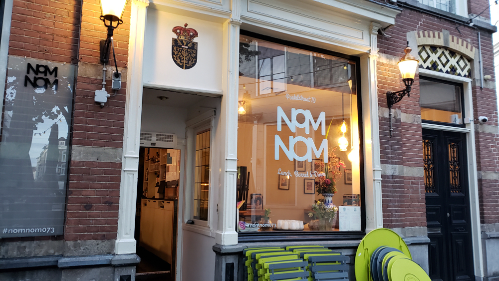 photo, image, vegan restaurant, den bosch solo travel