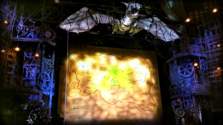 photo, image, wicked, apollo victoria theatre