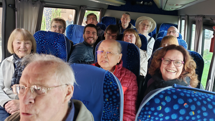 travelers, benefits of a coach tour