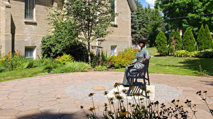 Lucy Maud Montgomery travel life size bronze statue