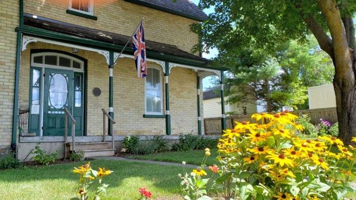 Lucy Maud Montgomery travel home where she wrote 11 novels