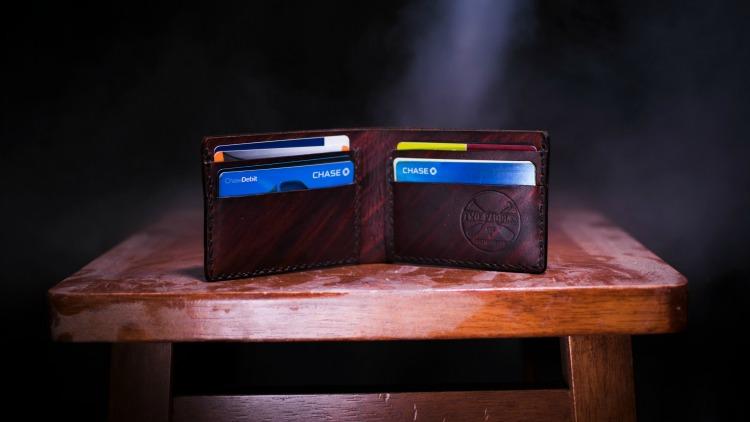 wallet, simple travel hacks